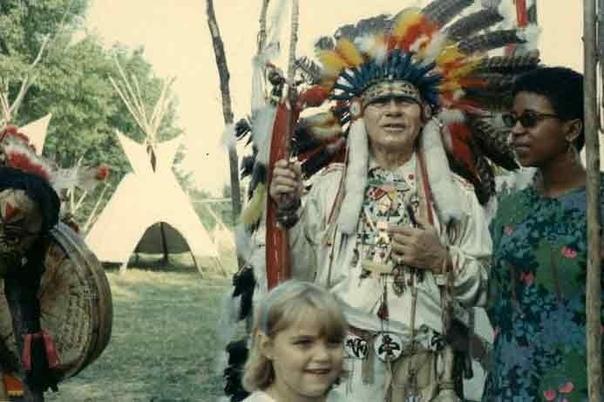 История США полна кровавых событий. Это государство в принципе было создано на крови, когда представители Старого мира решили основать свой, но местные жители в лице индейцев стали помехой, поэтому их начали массово уничтожать, а тех, кто остался в живых,
