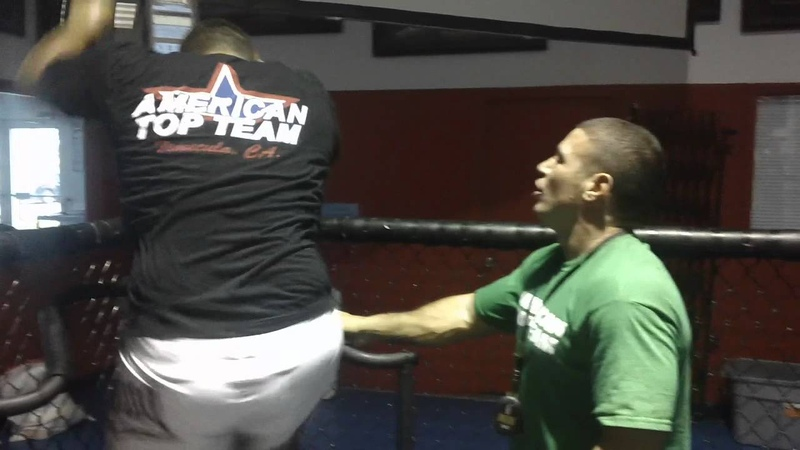 Mark hunt, stefane dias and caveman training at versa climber