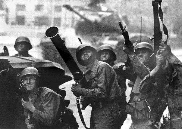 MIR ИЛИ КАК ГЕНЕРАЛ ПИНОЧЕТ БОРОЛСЯ С ТЕРРОРИЗМОМ После военного переворота 1973 года в Чили, в результате которого президент Сальвадор Альенде покончил с собой, и ликвидации социалистического