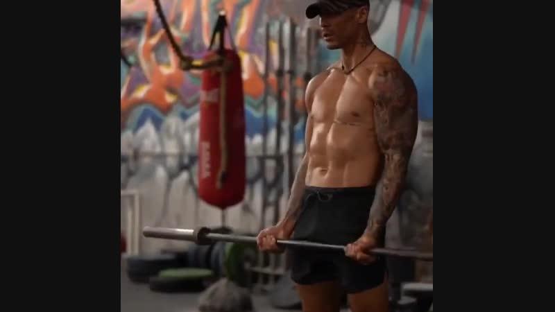 Тренировка на все тело nhtybhjdrf yf dct ntkj