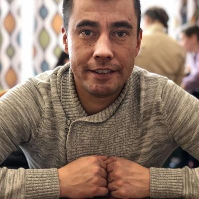 Евгений Устинов