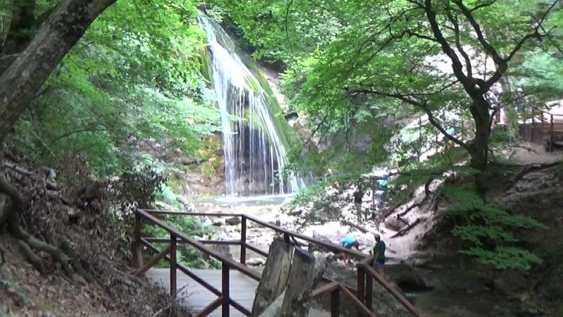 Водопад Джур-Джур,пешком 3,5 км в гору