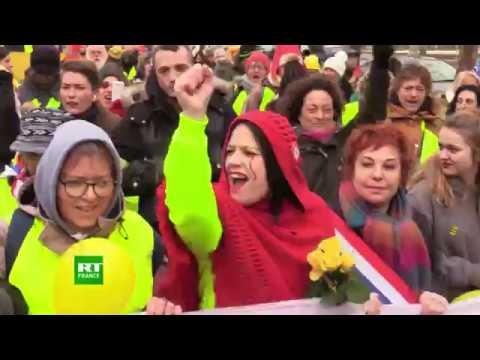 «Ne rien lâcher» : après l'acte 10, les femmes Gilets jaunes à nouveau dans la rue