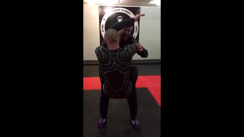 Упражнение на развитие мышц стабилизаторов корпуса выполнять на количество раз за определённое время 👍💪