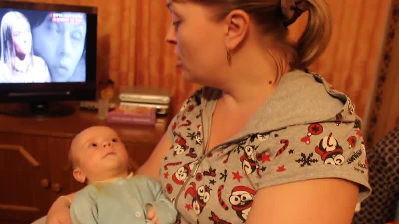 Трёхмесячный малыш поёт Жили у бабуси