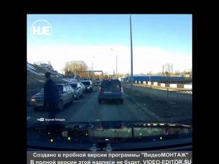 В Удмуртской республике несколько машин образовали паровозик из-за пешехода