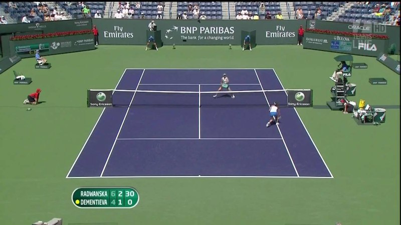 WTA '10 Indian Wells - Radwanska/Dementieva Amazing Point