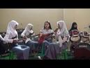 Band pelajar cewe asal sumpiuh menyanyi lagu Munajat cinta The Rock, ora kuat...!