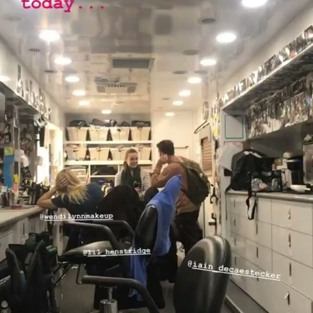 "Iain De Caestecker Brasil on Instagram: ""🎥  Natalia Cordova-Buckley via Instagram Stories com o Iain, Elizabeth e Wendi no set hoje. ... agentsofs..."