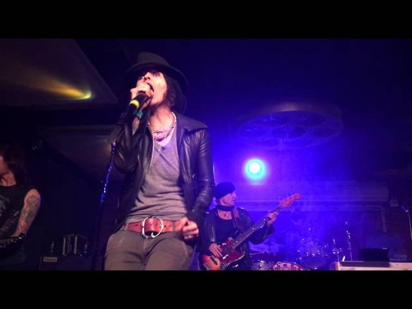 Linda Perry - Communication Breakdown (Led Zeppelin Cover at Lucky Strike Live Ultimate Jam Night)