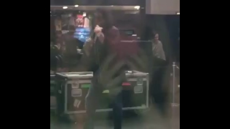 Gene Simmons catches girl recording him and reacts