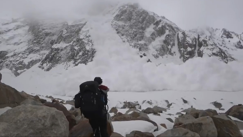 Сход лавины в Пакистане накрыл людей