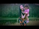 Мира Шарди с своей младшенькой племянницей под Макарену
