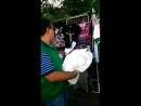 Divulguem esse video - Estão ameaçando camelôs que vendem camisas de Bolsonaro - Isso é no(1)