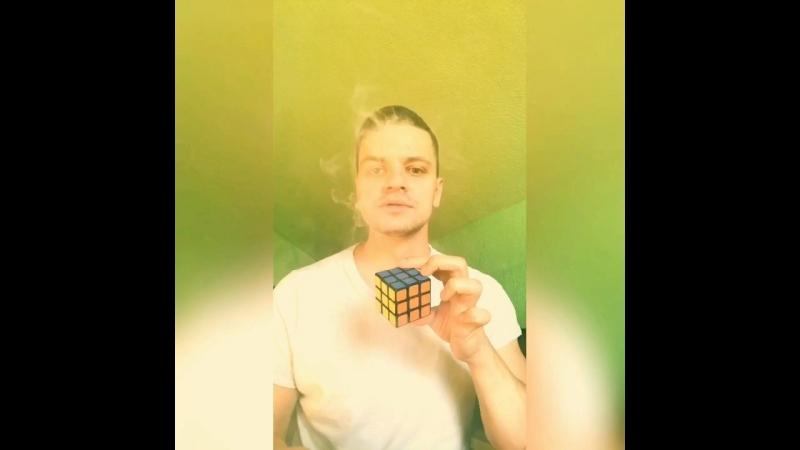 Иллюзионист Илья Мух: быстрая сборка Кубик Рубика