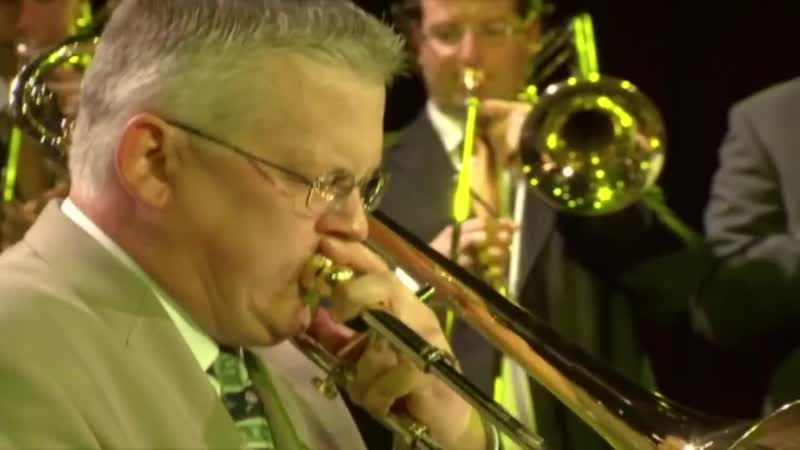 Urbieplicity - 21 trombones (New Trombone Collective friends) with Mark Nighti