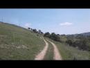 По горам по горам синий трактор едет к нам!