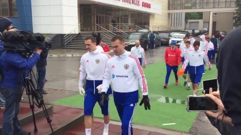 Последняя тренировка сборной России в Новогорске перед вылетом в Австрию.