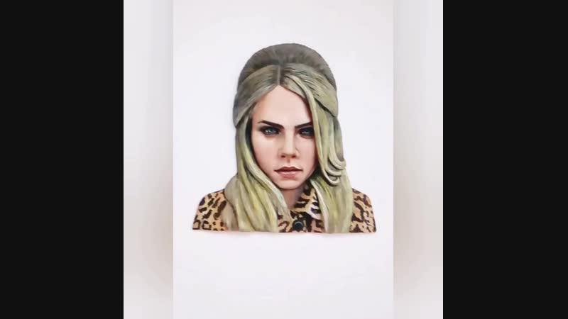 Кара Делевинь. Барельефный портрет Cara Delevinge. Полимерная глина. Скульптор Исакова Дарья.