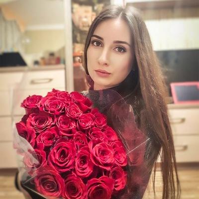 Ангелина Саенко