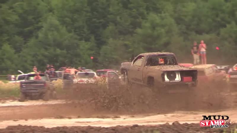 Michigan Mud Jam 2014 Mud Bogging!