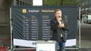 Jeff Ahl talar på Sergels Torg 11 augusti