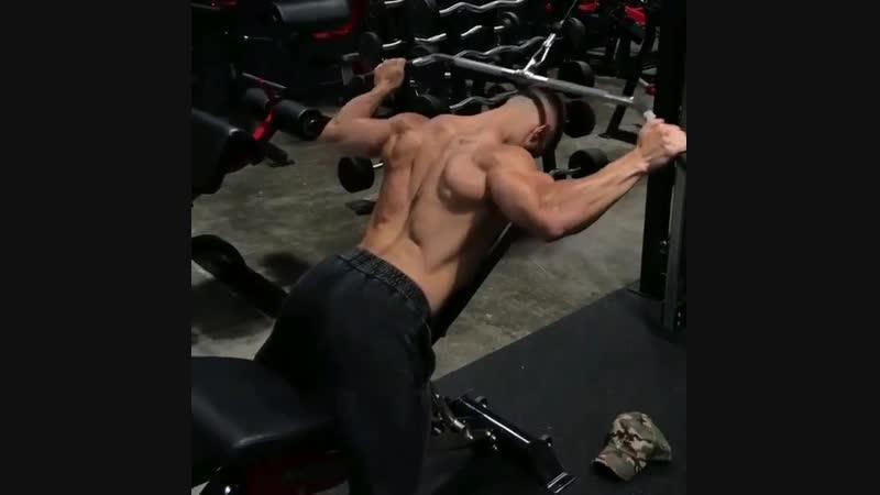 Изолирующее упражнение для прокачки спины.Попробуй bpjkbhe.ott eghf;ytybt lkz ghjrfxrb cgbys.gjghj,eq