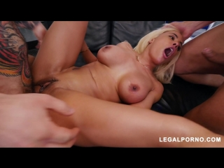 Latina Queen Luna Star Shows Us Why Shes A Pornstar Vs 2 Cocks AB007