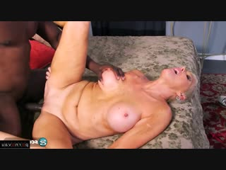 Lexy cougar [ mature &  negros / old with young , riding dick , swallow cum , short hair , roller]