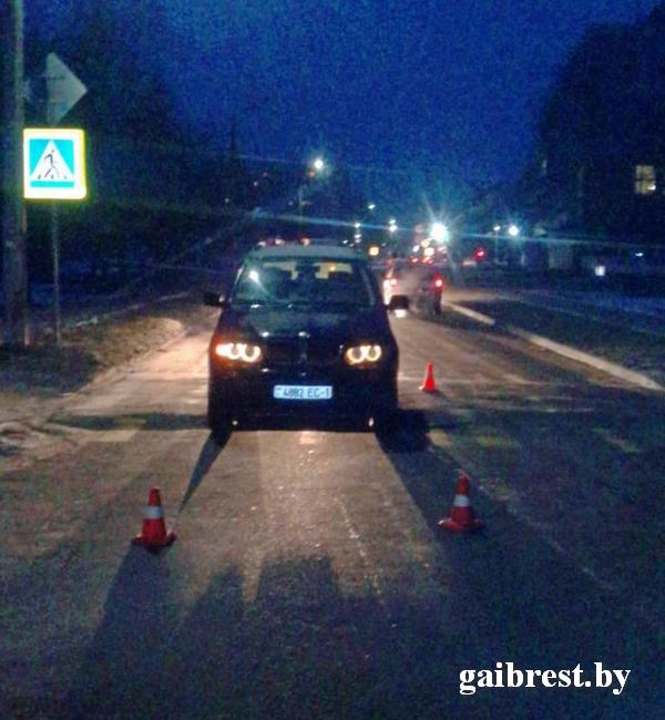 Водитель на «БМВ-Х5» сбил ребёнка на переходе в Пинске