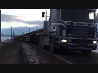 Транспортировка 100 метровых рельсов для скоростных поездов -