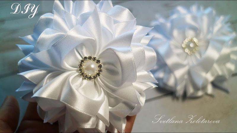 Пушистые БАНТЫ В ШКОЛУ из атласной ленты Канзаши DIY Fluffy BOWS TO SCHOOL from satin ribbons
