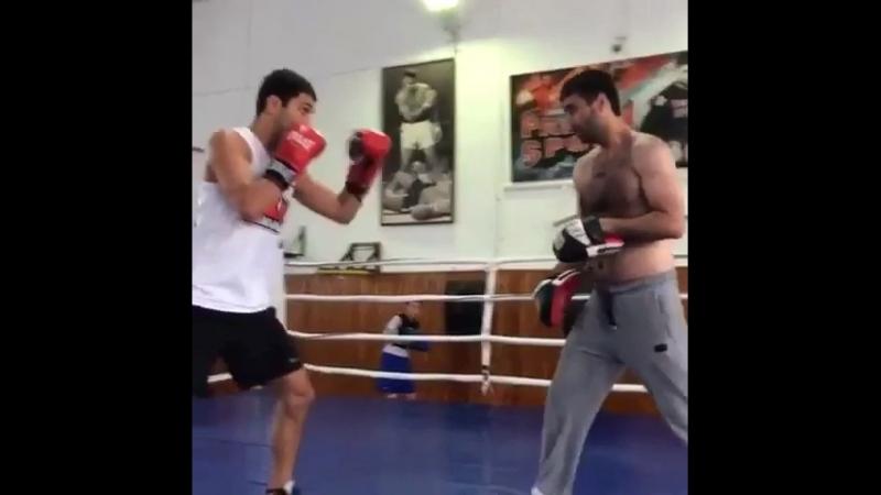 🥊 Тренировка в Стекляшке (Школа бокса в Каспийске) DFDFteamбоксербоксacb @magomedov_mur_