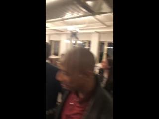Дженсен и Дэннил Эклз, Бевин Принц и Энтуон Таннер на вечеринке после воссоединения каста сериала