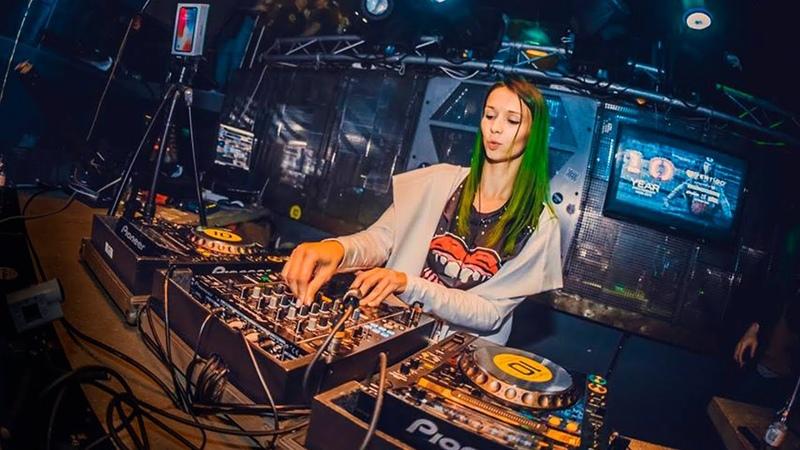 Miss Monique @ Vertigo Club (Gyor, Hungary 10.03.2018)