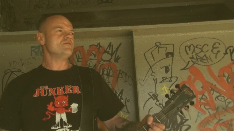 The Junkers feat. Tim Steinfort - Skinhead is my name Official Video