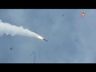 Корабли Каспийской флотилии нанесли удар «Калибрами» по «противнику»
