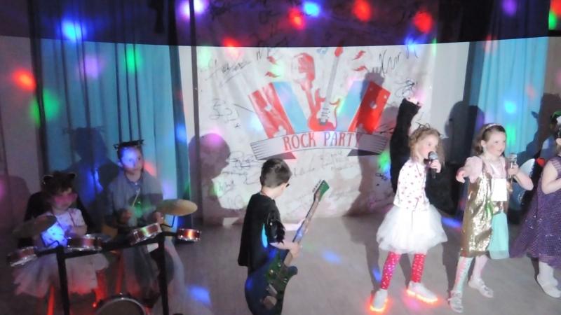 Рок-группа Улет. Звезды! Нереально круто! Они взорвали зал :)
