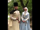 Вот как нужно на свадьбу одеваться 👏 Все закрыто и скромно как и положено 👍