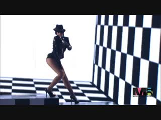 Chris Brown и Rihanna  Wall to Wall / Umbrella / Kiss Kiss MTV VMA 2007
