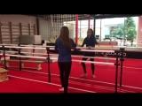 Ляйсан Утяшева показала невероятно простое упражнение для стройности ног