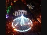 Новогодняя ёлка в Полтаве под сверкающим шатром