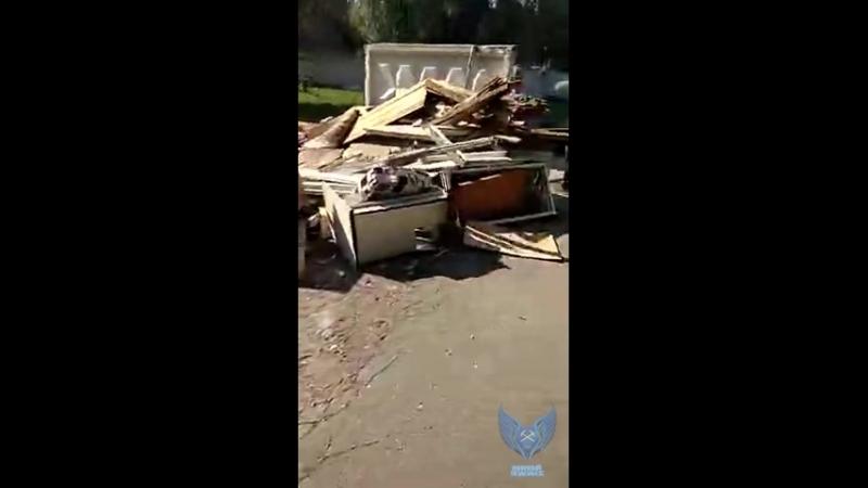 Силикатная утопает в мусоре