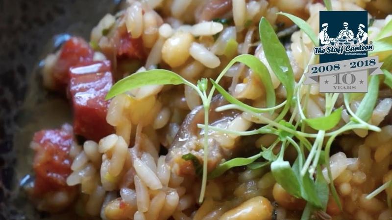 Dom Chapman creates a duck rice recipe with confit duck leg chorizo and coriander смотреть онлайн без регистрации