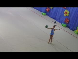 Макарова Ульяна мяч