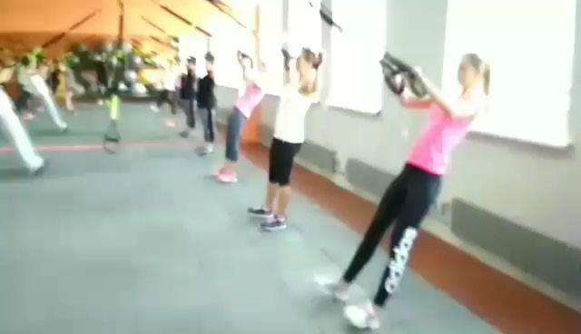 Krasivie lyudi fitness video
