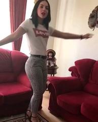 "MahiMaedeh on Instagram: ""برقص تا برقصیم فن پیج های زیر فالو بشن @hakhamane"