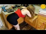 Мамку трахнули на кухне.  Full HD porn teen sex boobs частное private оргия секс milf инцест минет измена жена любительское