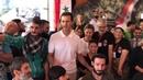 La visita de Assad y la señora Asma a los hijos de los mártires en el campamento de los niños