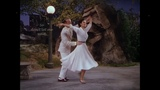 Moonlight Serenade - Barry Manilow (cantor) , Fred Astaire e Cyd Charisse (dan